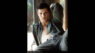 Download Taylor lautner-rude boy Video