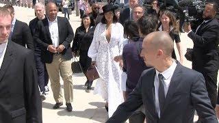 Download EXCLUSIVE - Rihanna arrives at Fondation Vuitton in Paris Video