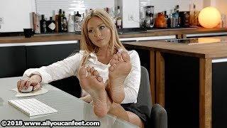 Download Natalia Secretary - Nylons & Barefoot Video