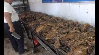 Download 河南乡镇最霸气驴肉馆,两口大锅中放1000斤肉4头驴,全国都有名 Video