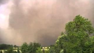 Download Gewaltige Sturm- und Staubfront vor einem Gewitter 12.07.2010 Video