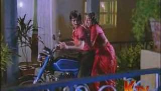 Download Nalini Hot Rain song in red saree Video