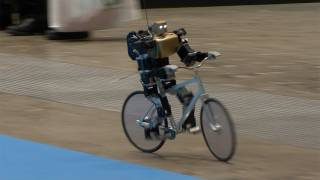 Download Amazing Bike Riding Robot! Can Cycle, Balance, Steer, and Correct Itself. #DigInfo Video