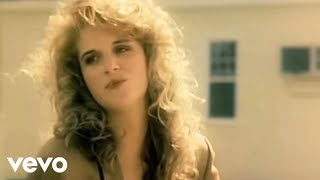 Download Trisha Yearwood - She's In Love With The Boy Video