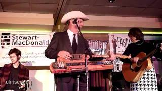 Download HD - Deke Dickerson Guitar Geek Festival 2011 - Junior Brown - Broke Down South Of Dallas Video
