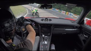 Download Porsche 991.2 GT3RS & FAST BIKER on Nordschleife//. Video
