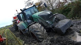 Download Fendt 939 Vario Gets Totally Stuck in The Mud During Maize / Corn Chopping   Häckseln 2017 Video