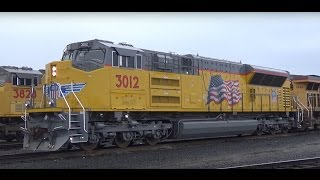 Download Railfanning Eugene, OR 1-17-17 - SD70ACe-T4 3012, All EMD M-RVEU! Video