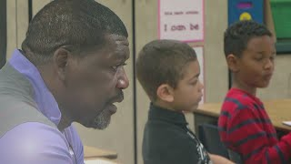 Download Fmr. Viking Randall McDaniel Now Inspires Kids In The Classroom Video