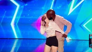 Download Nadia et Dakota ont ému le jury de ″La France a un incroyable talent″ Video