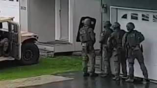 Download FBI Alaska SWAT team failed breach Video