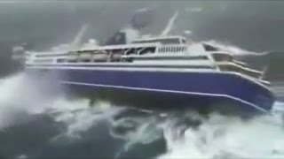 Download Top 5 Ocean Liners in a Storm Video