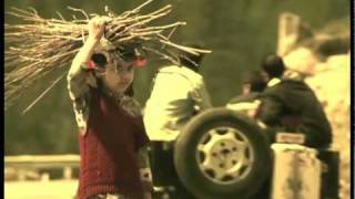 Download Satinder Sartaaj - Nikki Jehi Kuri Video