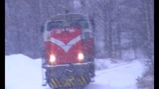 Download 6.2.2009 Sekatavarajuna porin Ruosniemessä. Juna kuvattu neljästi. Hauska veturinkuljettaja Video