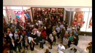 Download Victoria's Secret Black Friday Opening Mayhem!! (2012) Video