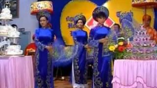 Download Dam Cuoi Tren Duong Que Video