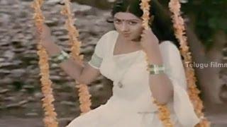 Download Sirimalle Puvva Song - Sridevi's Padaharella Vayasu Movie Songs - Mohan Babu, Chandra Mohan Video