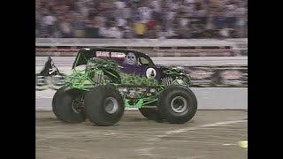 Download Freestyle Grave Digger pt. 3 Monster Jam World Finals 2001 Video