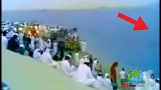 Download Lihat yang akan muncul dari dalam laut ini, pasti kalian dibuat kaget! Video