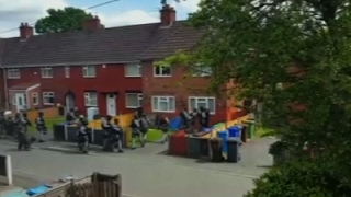 Download Video Shows Police Raid In Manchester Video