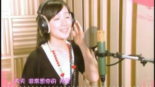 Download 小薰 + 阿本 - 甜甜圈 (官方版MV) Video