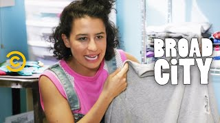 Download Hack Into Broad City - The Purge Video