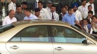 Download HH Dalai Lama arriving to Dharamsala Video