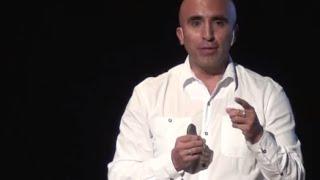 Download Educar para la Diferencia | Germán Maldonado | TEDxUSFQ Video