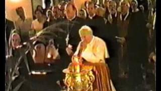 Download Іван Павло ІІ біля тіла Патріарха Йосифа Video
