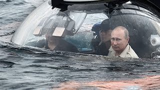 Download Russian President Vladimir Putin pays visit to Crimea in a submarine Video