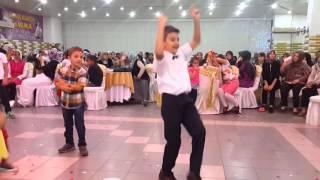 Download Oğlum berkay'a istek üzerine tokat sarması Video
