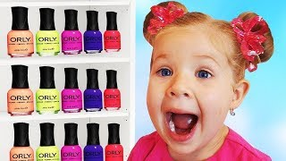 Download Roma and Diana Pretend Play with Nail polish for kids Video