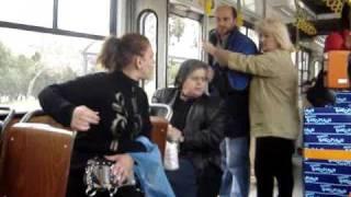 Download Τσακωμός στο λεωφορείο Video
