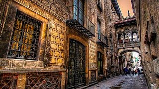 Download A Walk Around The Gothic Quarter of Barcelona Video