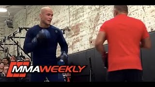 Download Junior dos Santos - UFC 211 Workout Video