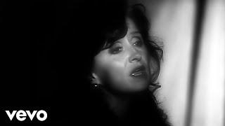 Download Bonnie Raitt - I Can't Make You Love Me Video
