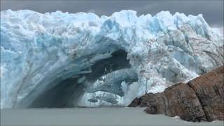 Download Glacier bridge collapses in Perito Moreno || Viral Video UK Video
