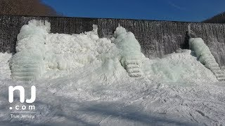 Download Watch a waterfall turn into a wall of ice Video
