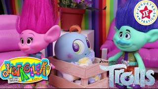 Download TROLLS: POPPY y RAMON adoptan el KSI MERITO de MOLE! Video