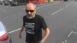 Download Kingston Cyclist Defends himself with D-Lock in Road Rage Attack (HV02 XZH) Video