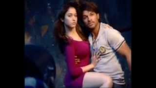 Download Super Chemistry between Allu Arjun and Tamanna - Romantic Poses for South Scope Video