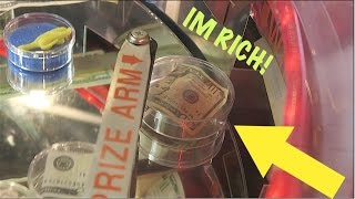 Download HOW MUCH MONEY CAN WE WIN FROM THIS ARCADE?? Video