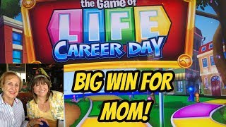 Download MOM RETIRES! BIG WIN FOR MOM ON GAME OF LIFE! Video