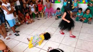 Download Escolinha criança feliz ″A linda rosa juvenil ″ Video