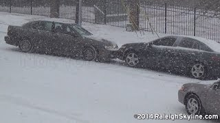 Download 02/12/2014 Raleigh, NC Snow wrecks and sliding cars - RaleighSkyline com Video