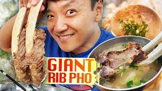 Download GIANT RIB PHO & Vietnamese FRIED CHICKEN | BEST Pho in Seattle Video