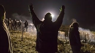 Download Police clash with Dakota pipeline protesters Video