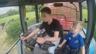 Download Silage 2017 - The Beginning - Drawing with New Holland 7840 Video