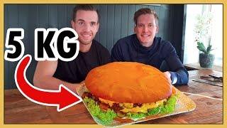 Download Besöker gatuköket som serverar Sveriges STÖRSTA hamburgare! Video