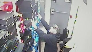 Download Man sneaks into stock room, steals 40 boxes of retro Jordans Video